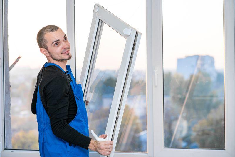 Ob Standardgröße oder Sondermaß: Türen und Fenster online kaufen